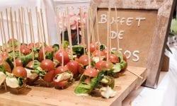 brocheta capresse con tomate cherry y mozzarella