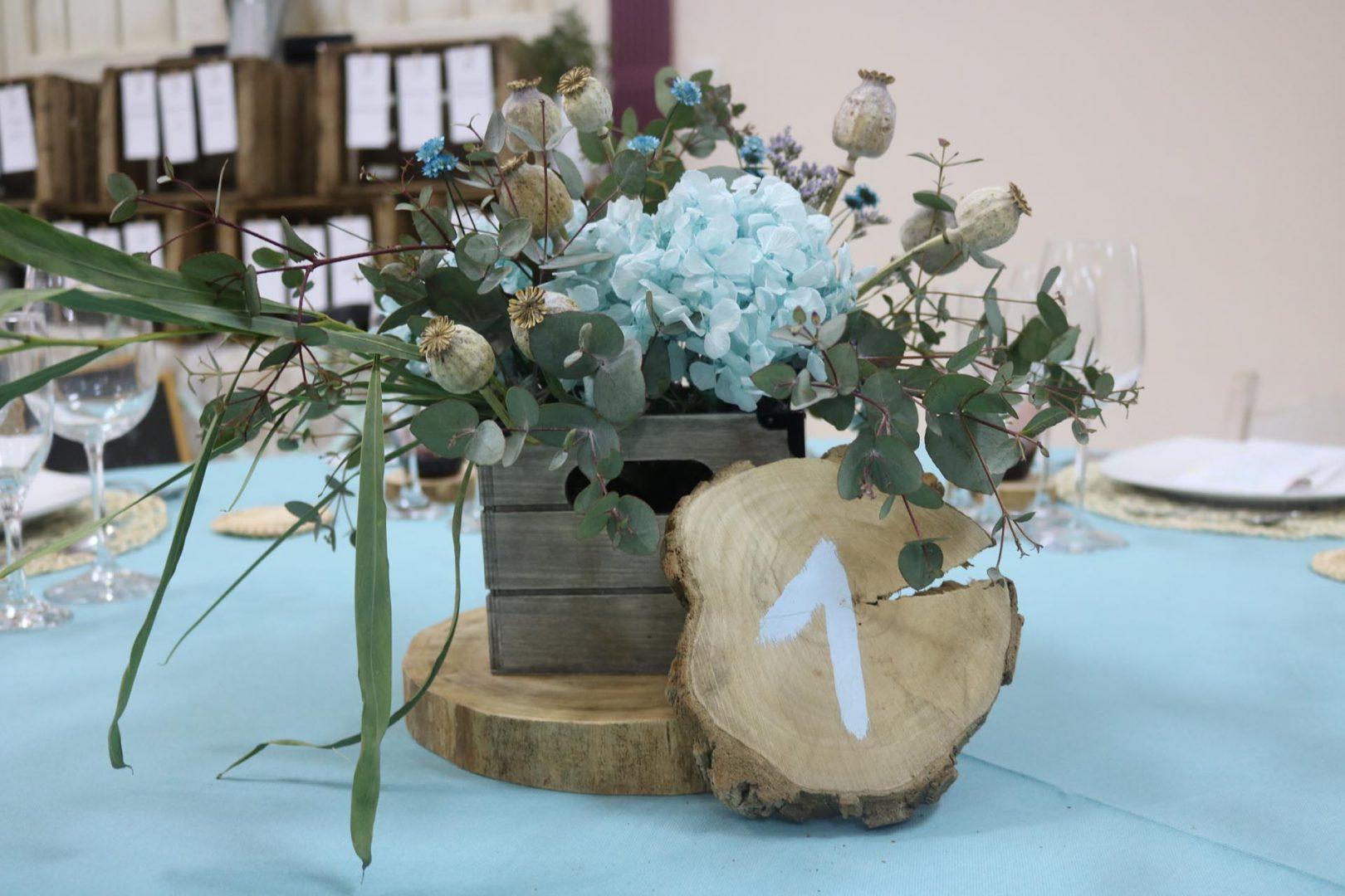 centro de mesa azul