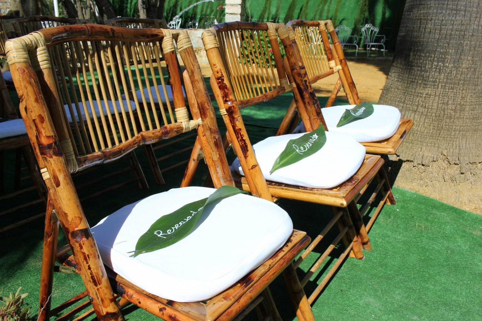 detalles verdes en sillas