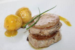 Timbal de solomillo con foie acompañado de parisinas al estilo mozárabe