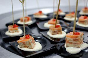 Milhojas de salmón y crema de queso
