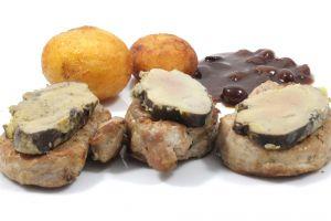 Medallones de solomillo de cerdo con foie al Pedro Ximénez con patatas parisinas